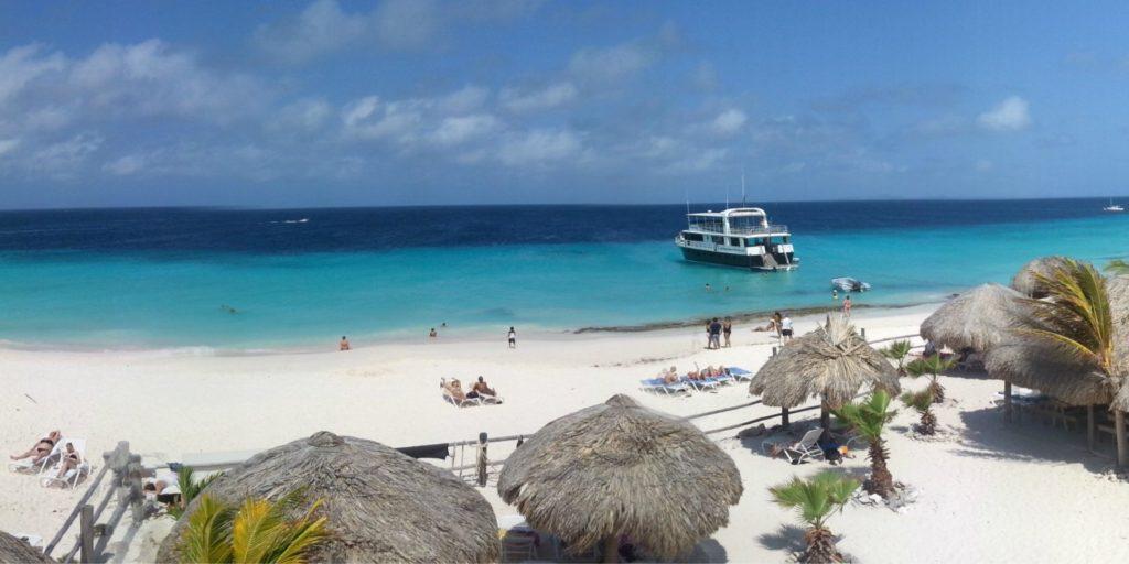 Klein Curacao zonnebaden